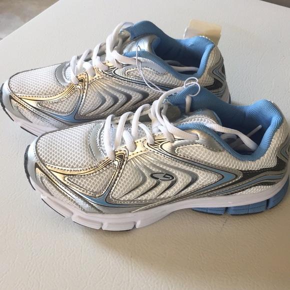79096a4884d5e BRAND NEW Champion C9 Tennis Shoes